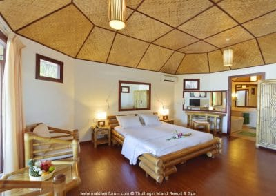 Thulhagiri Island Resort & Spa Beachbungalow